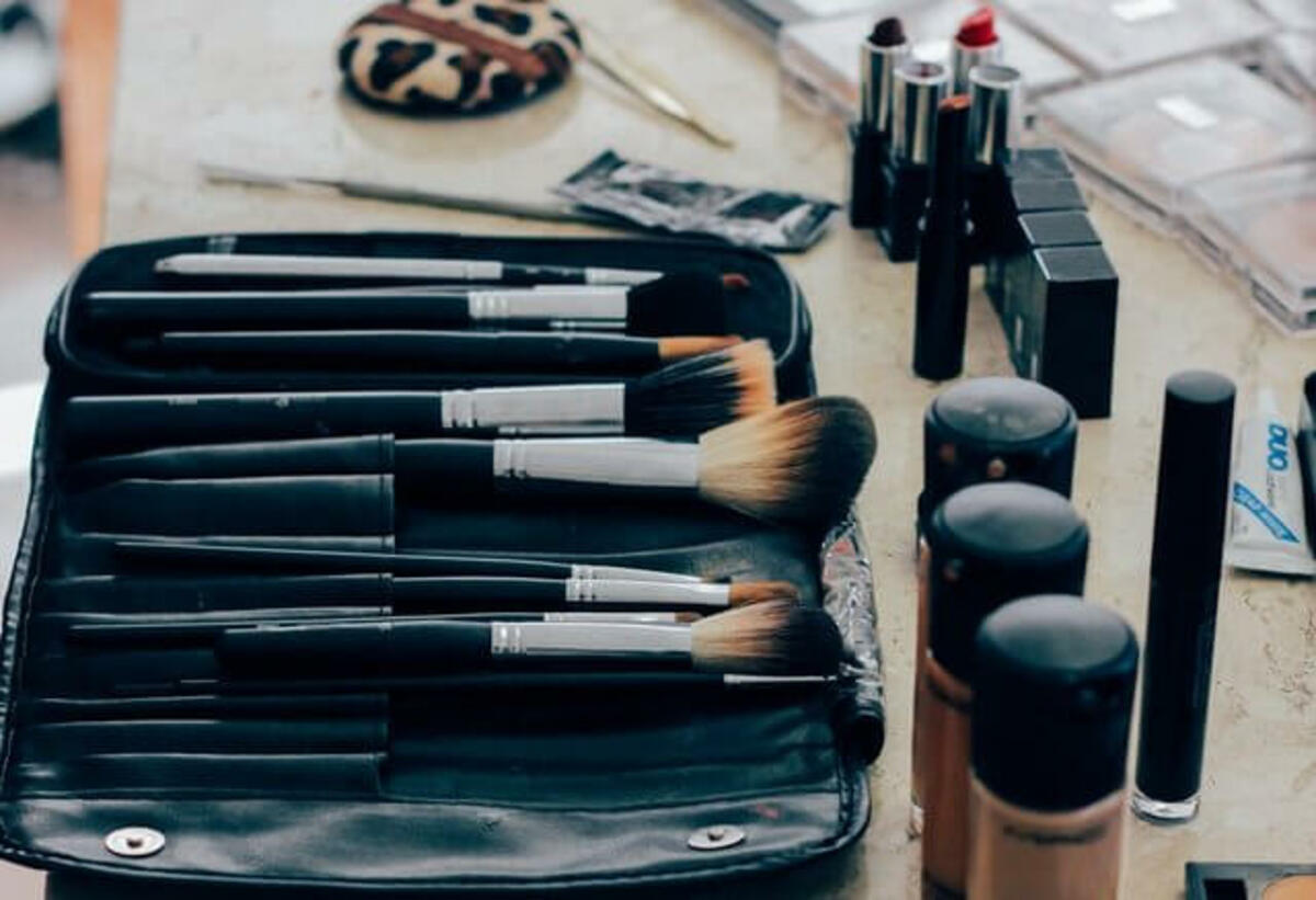make-up-1209798_1280